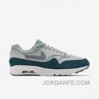 WoMen's Nike Air Max 1 Ultra Essentials Authentic RcGhF